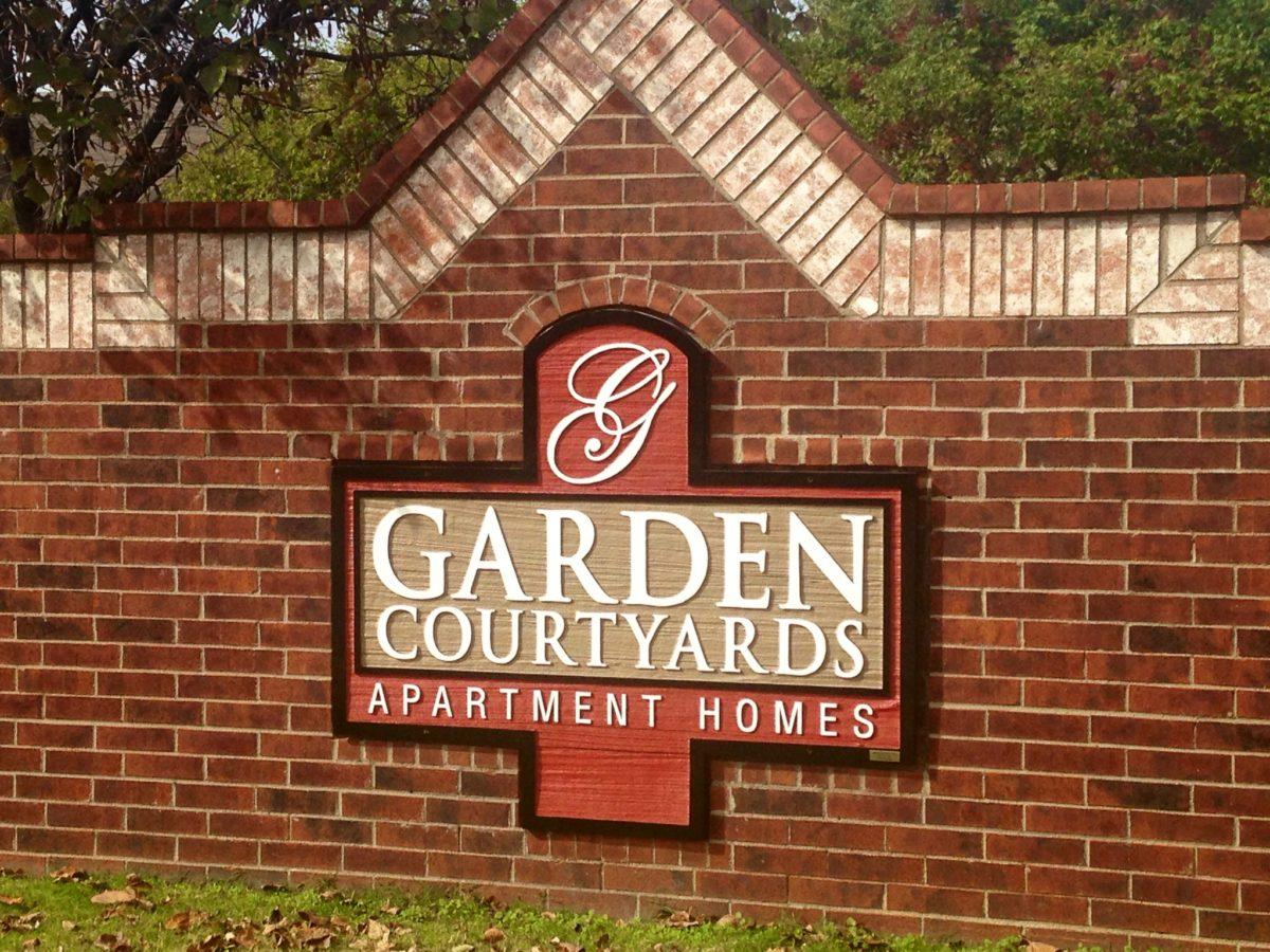 AGarden-Courtyards-Tulsa-Oklahoma-Sign