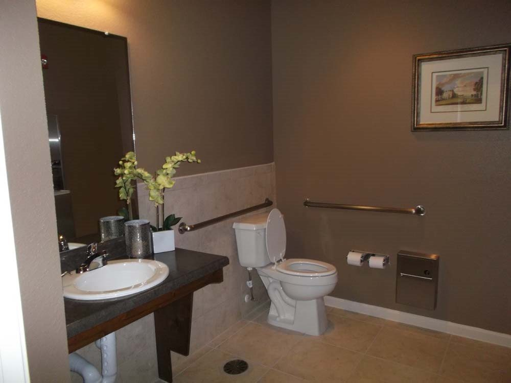 Adobe-Ranch-Borger-Texas-Bathroom
