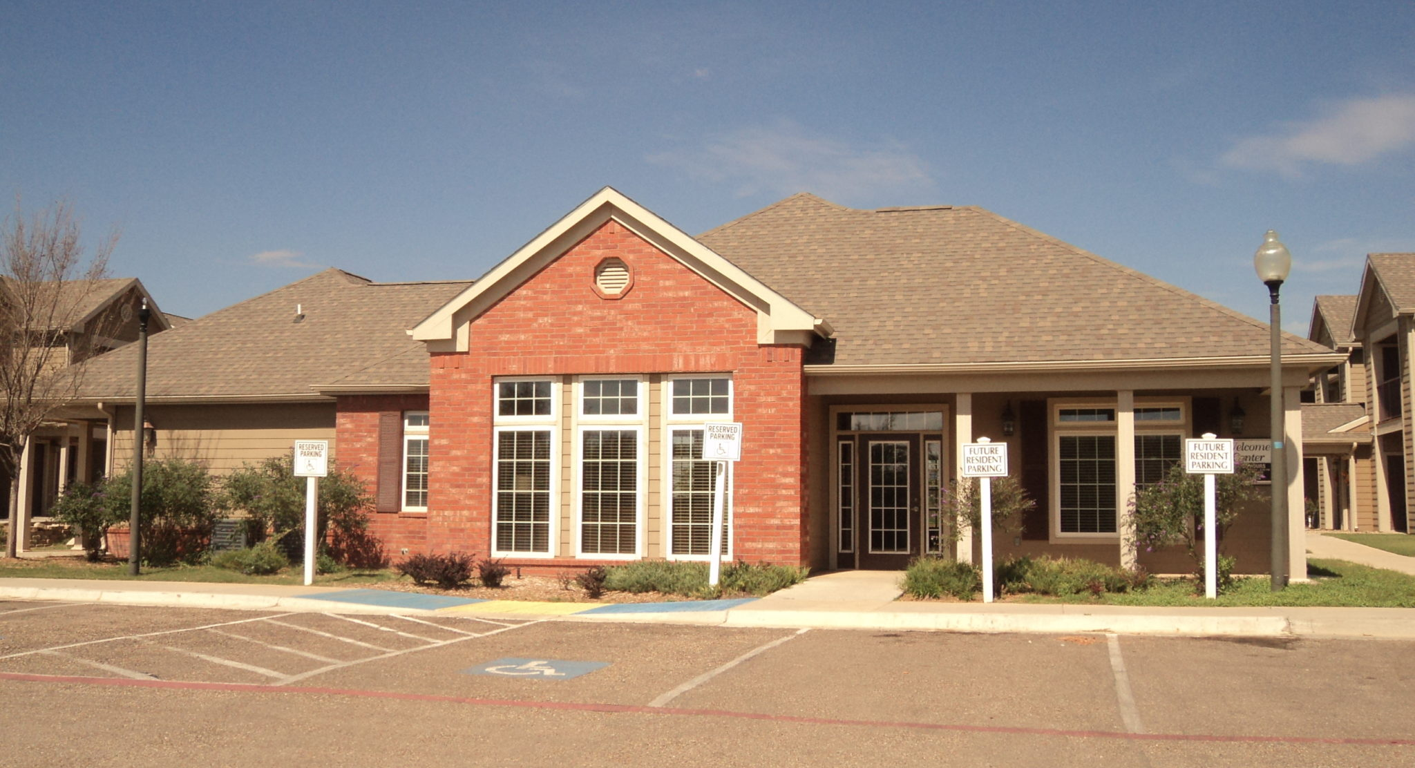 Avalon-Park-Brownfield-TX-Clubhouse-Front