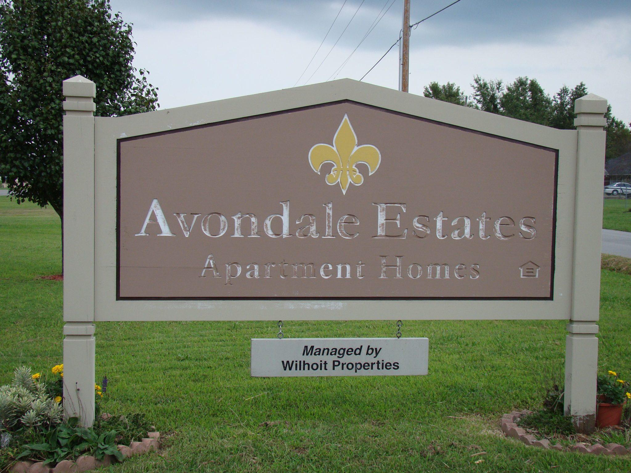 Avondale-sign