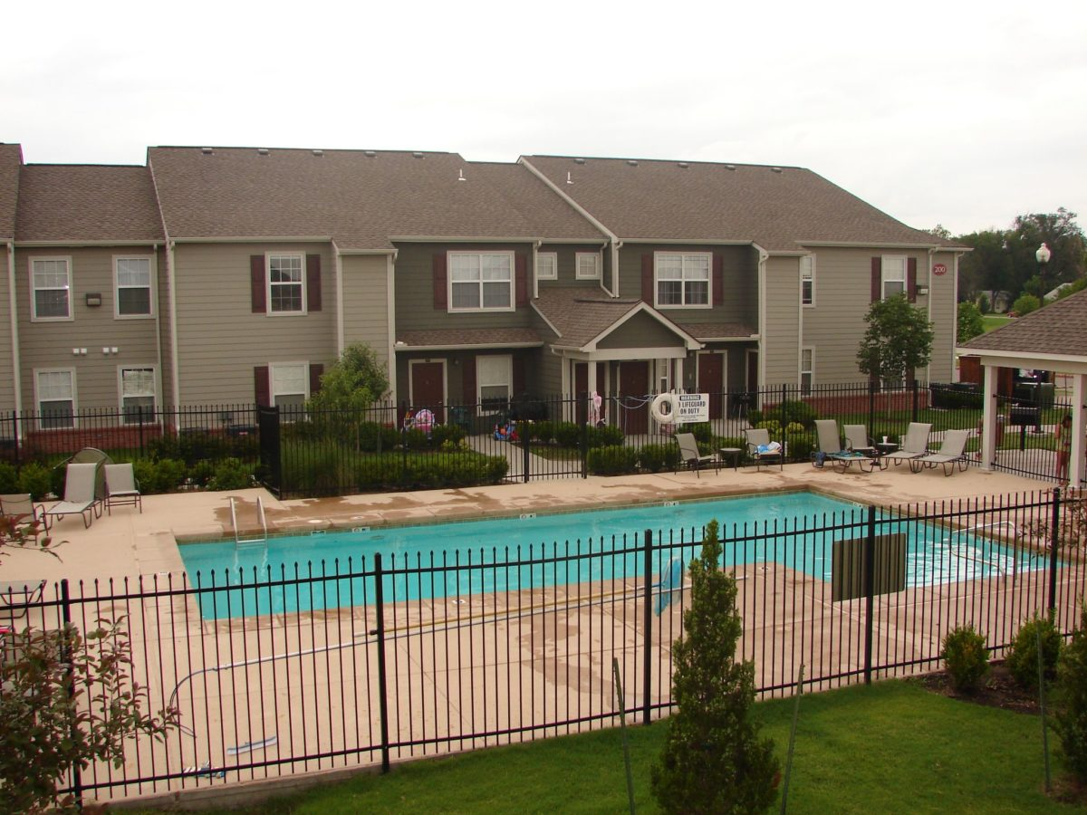 Bridgewater-Apartments-Haysville-Kansas-Pool