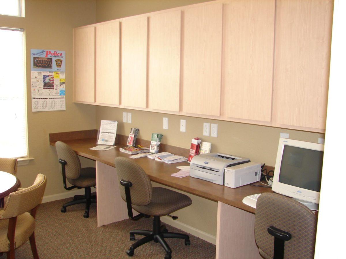 Bridgewater-Apartments-Haysville-Kanssas-Computer-Center