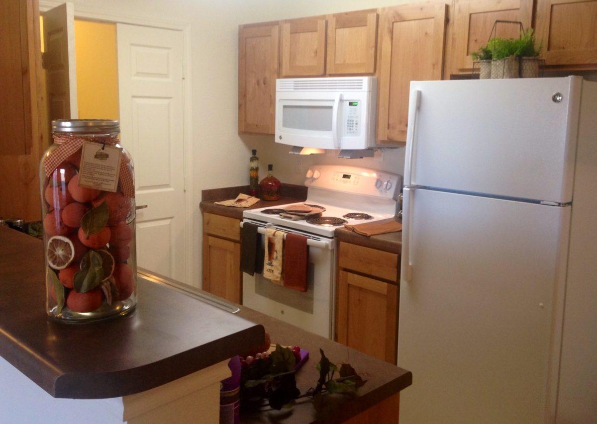 Broadstone-Villas-Bel-Aire-Kansas-Kitchen