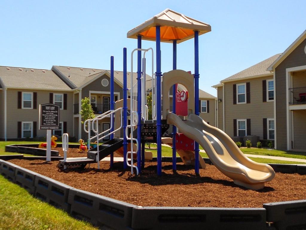 Churchill-Apartments-Marshfield-Missouri-Playground-1024x769