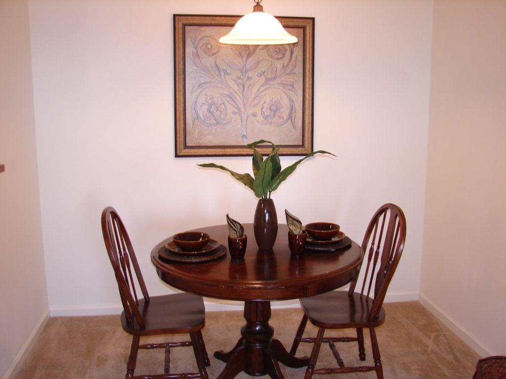 Elizabeth-Place-El-Reno-Oklahoma-Dining