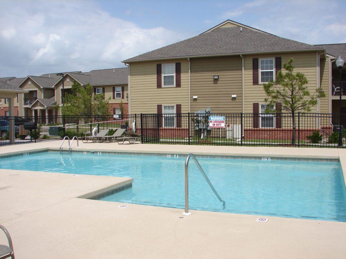 Elizabeth-Place-El-Reno-Oklahoma-Pool