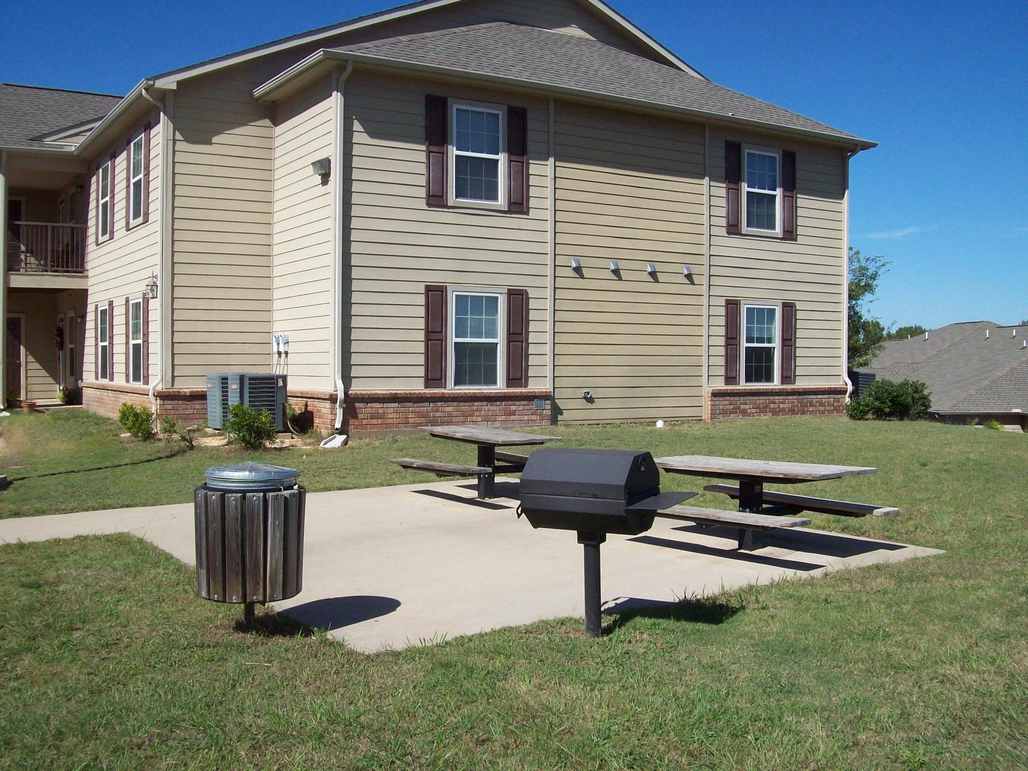 Jacksonville Pines-Picnic-Grill Area-Jacksonville TX