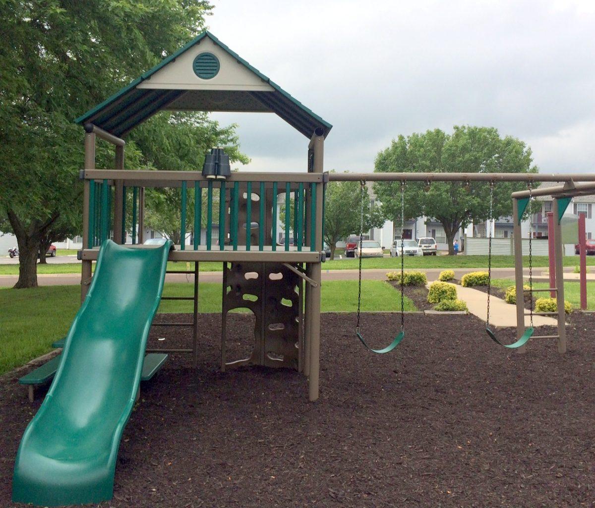 Parkford Apts Iola KS playground