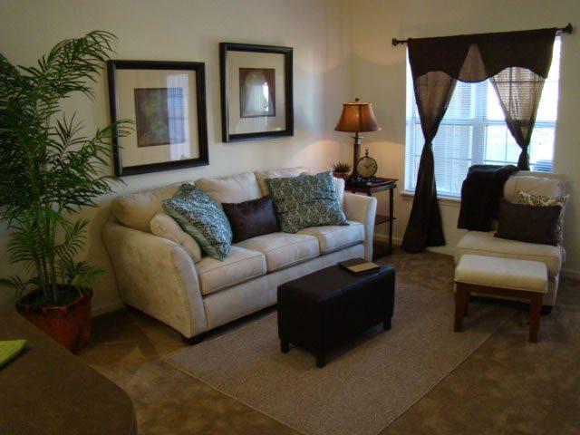 River-Ridge-Sand-Springs-Oklahoma-Living-Room