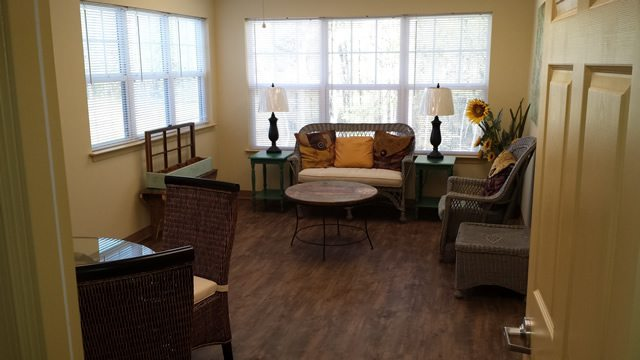 River-Towne-Manor-Roanoke-Rapids-North-Carolina-Sunroom