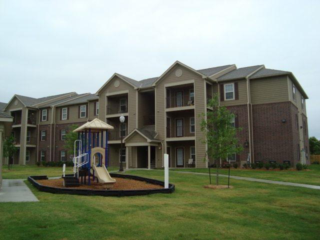 Rolling-Meadows-Glenpool-Oklahoma-Building-Playground