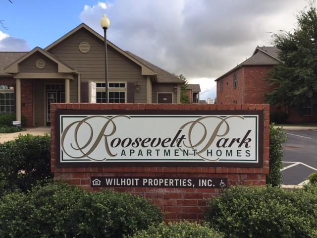 Roosevelt Park Sign