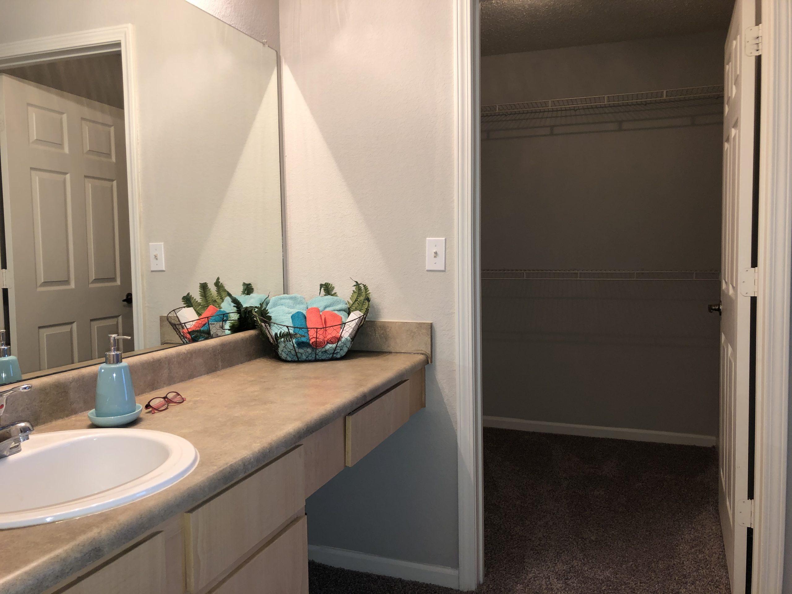 Timber Ridge Gardens Cushing Oklahoma main bath walkin closet