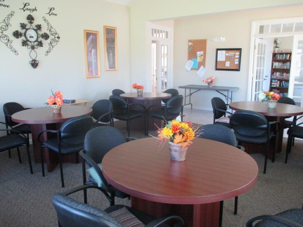 Willow-Creek-Villas-Ponca-CityOK-Main-Room-Clubhouse
