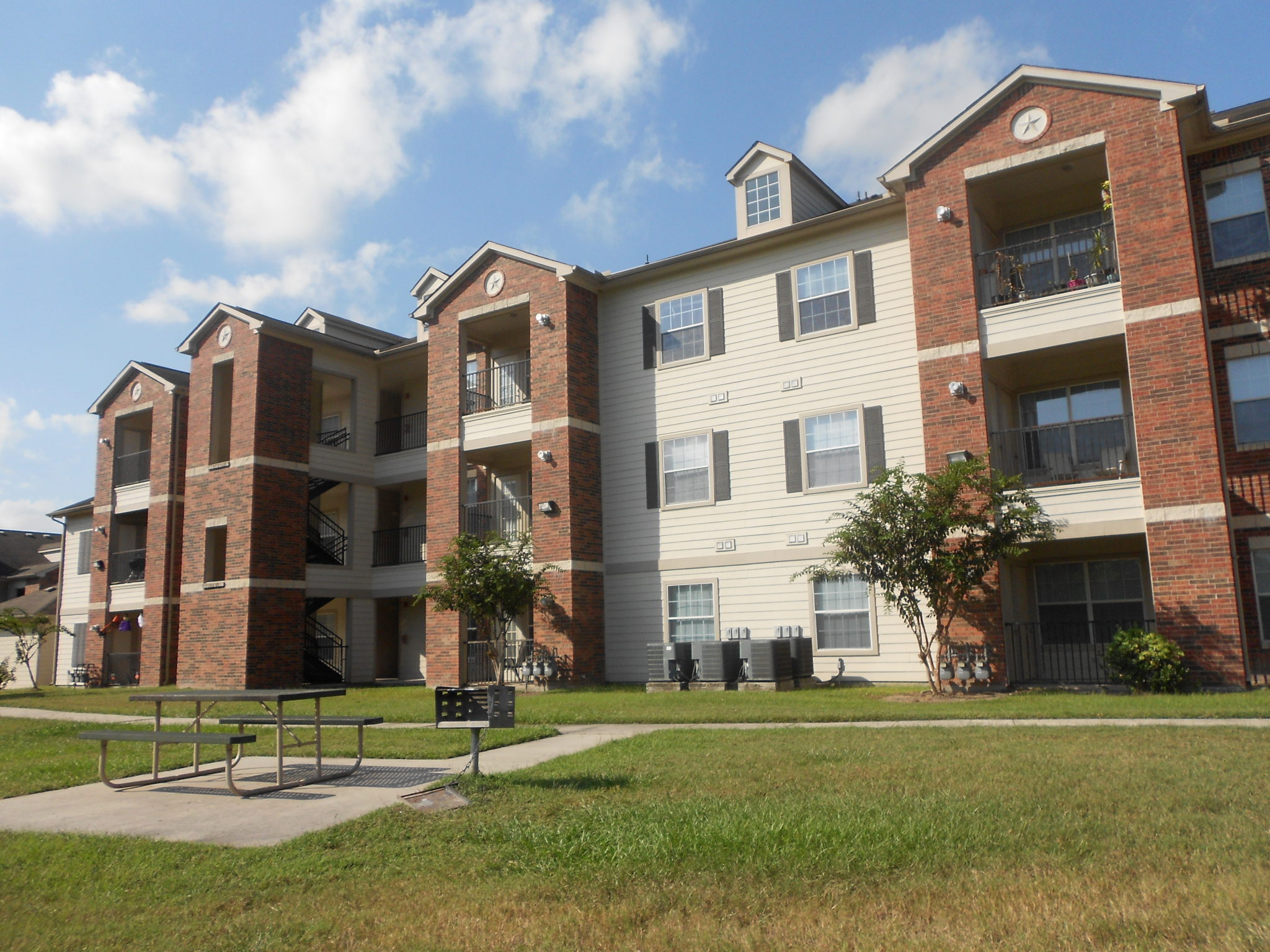 Atascocita Pines Apartments – Wilhoit Living