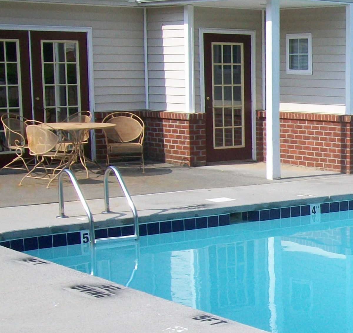 Griffith Commons Winston Salem North Carolina swimming pool .2
