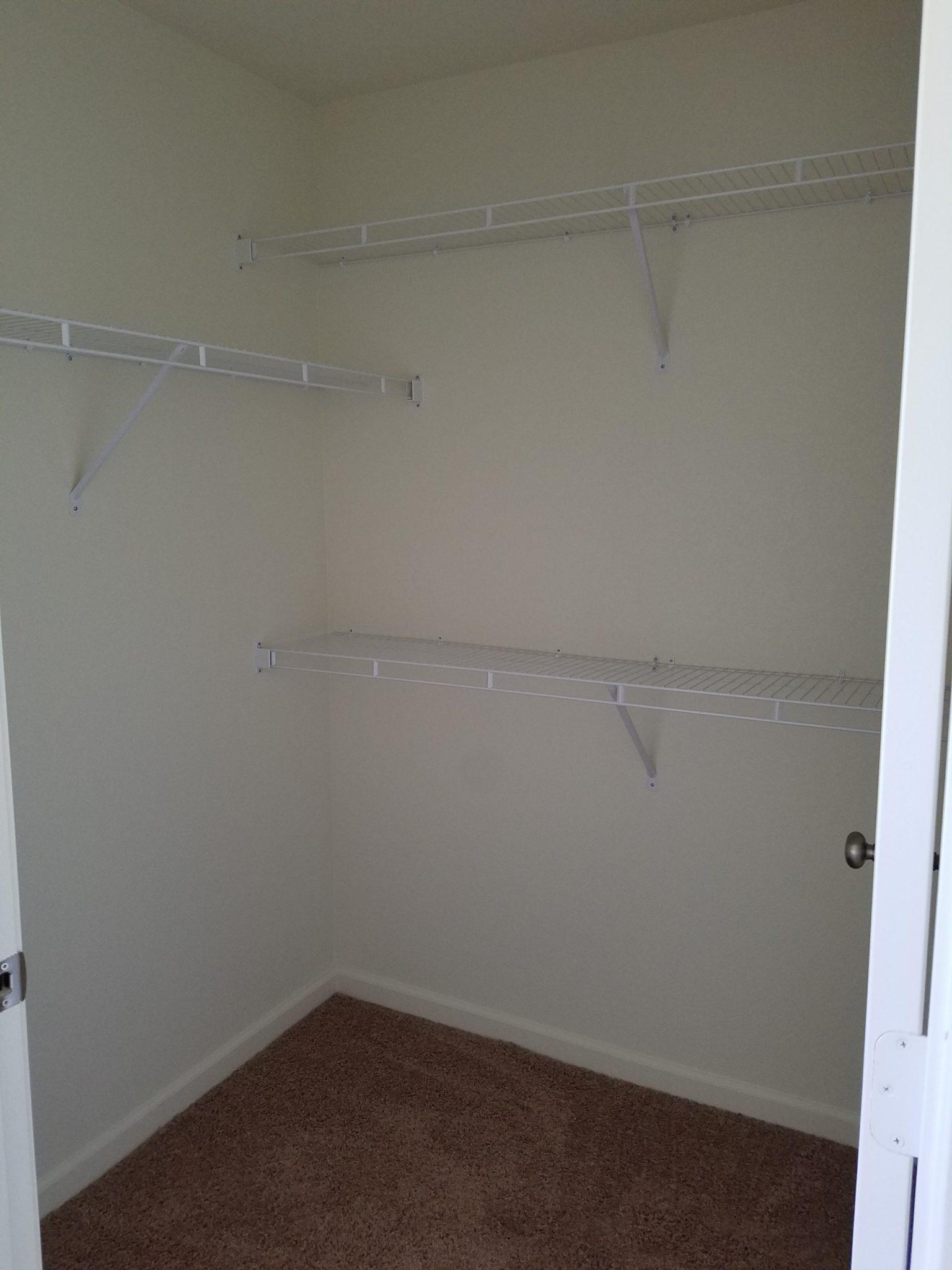 Nottingham Village Gardner KS master closet
