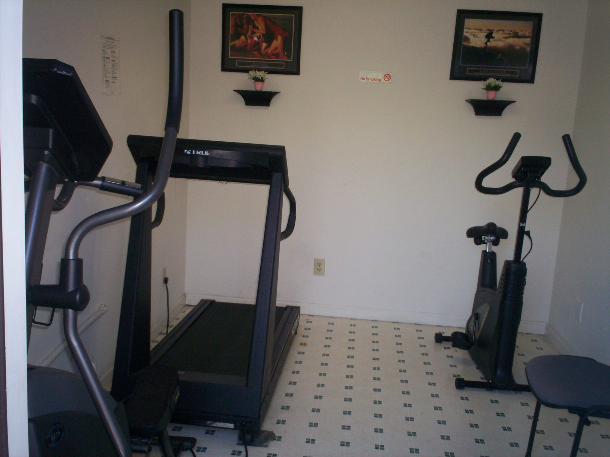 One Wilcox Place Kingsport TN fitness room