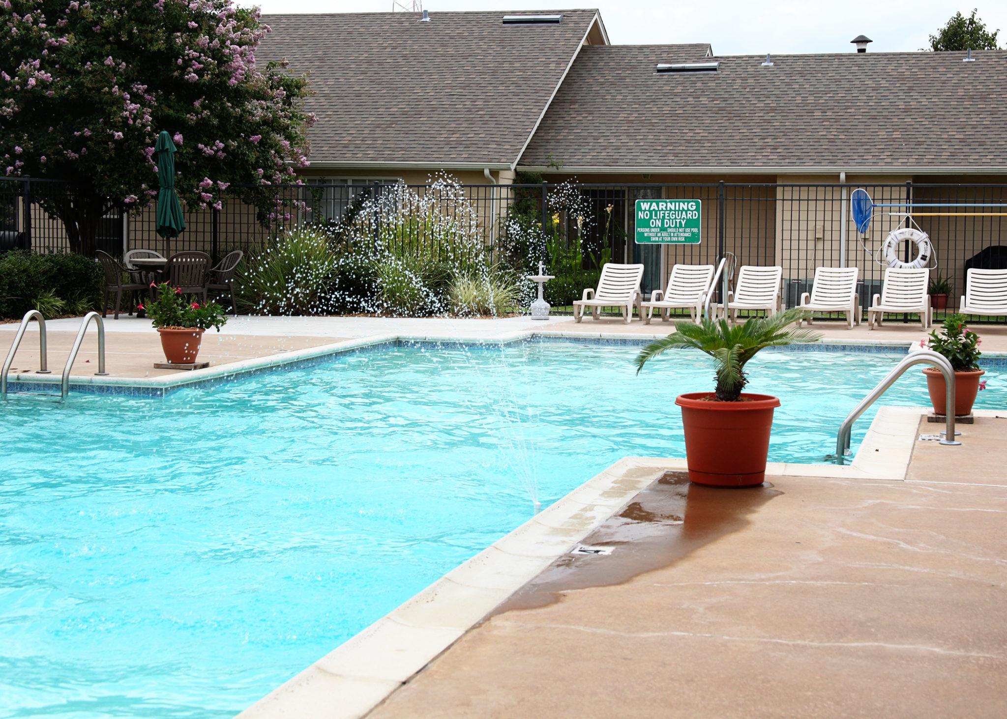 Ridgeview Townhomes, Paris, TX, Pool1