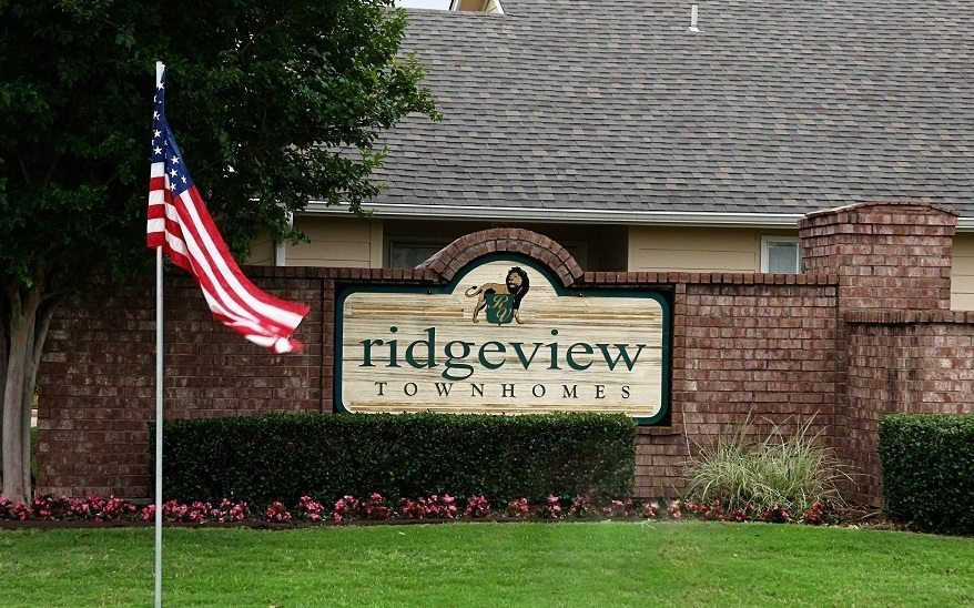 Ridgeview Townhomes, Paris, TX, Ridgeview Entrance Sign