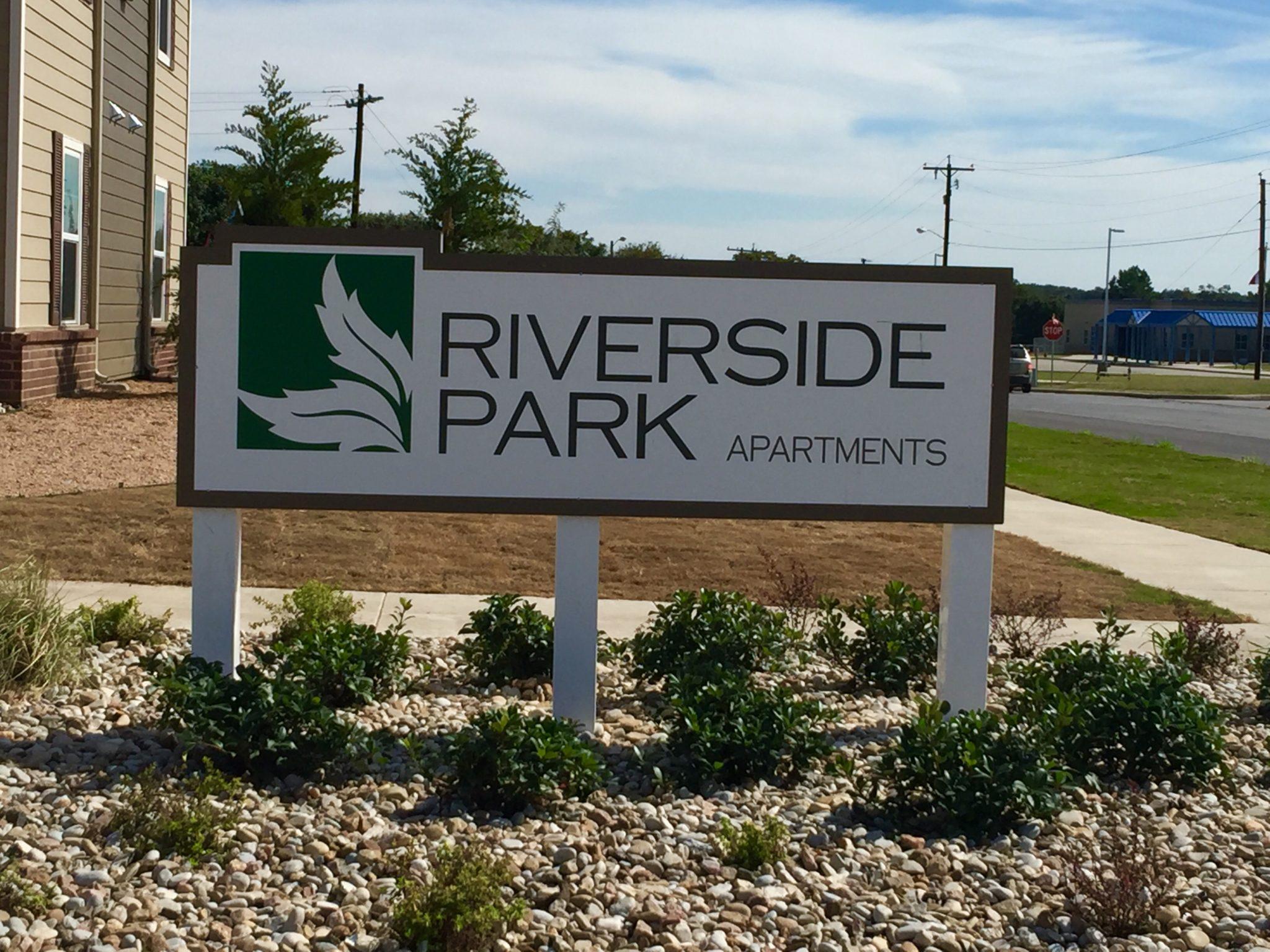 Riverside Park Early Texas Buidling II (10)