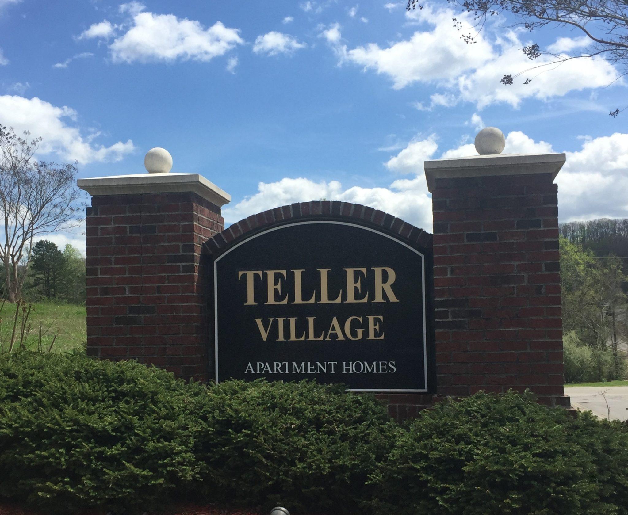 Teller Village Oak Ridge TN sign