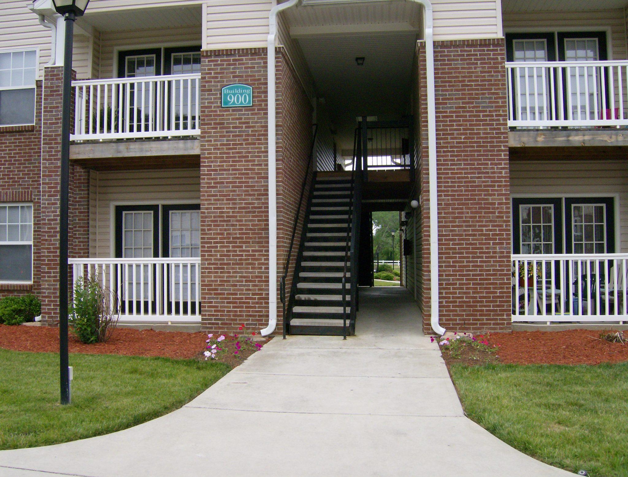 Briarwood Building 900