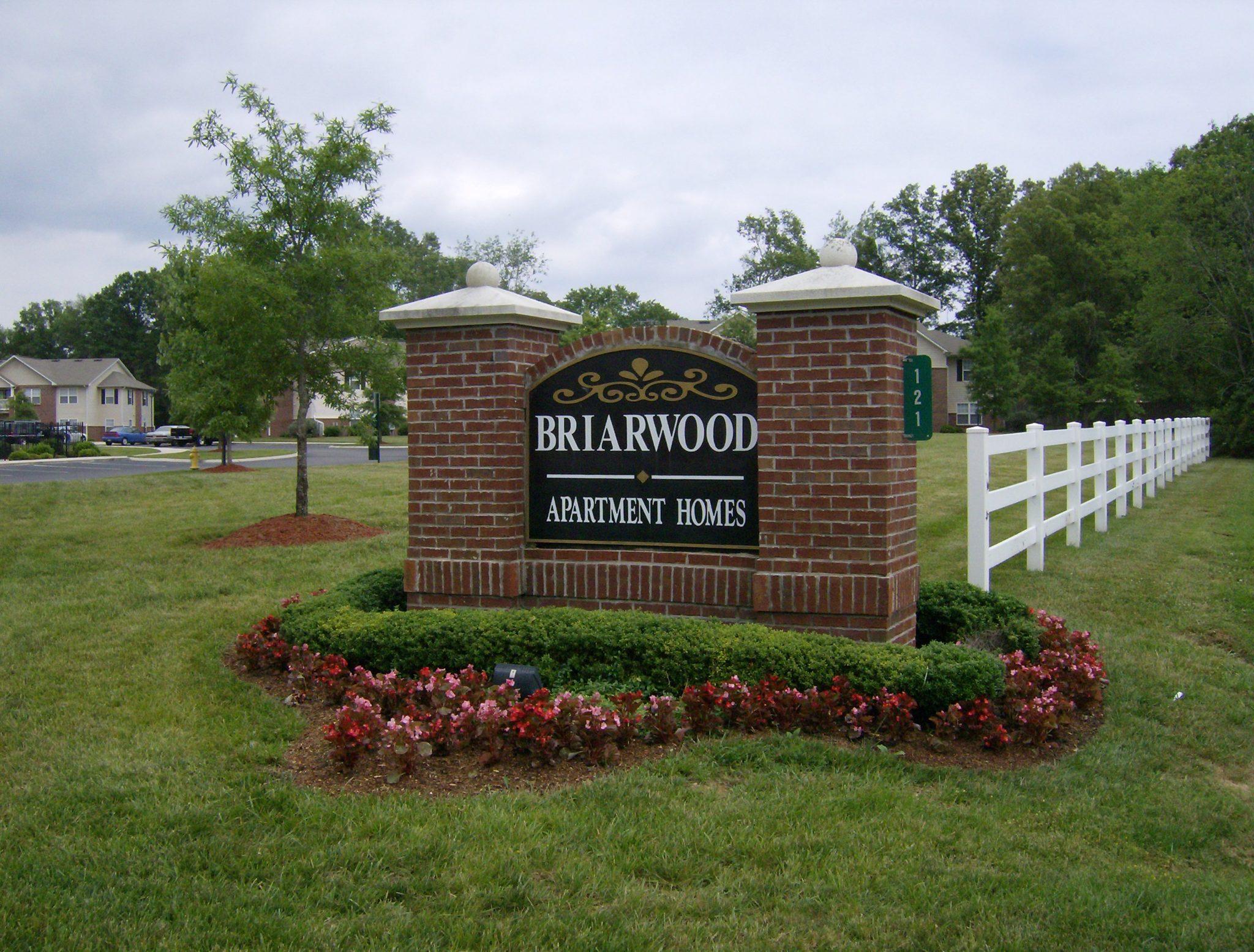 Briarwood Sign