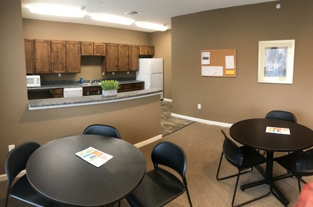 Villas at Meadow Springs Ankeny IA community room with kitchenette