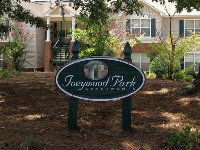 Iveywood Park sign 2