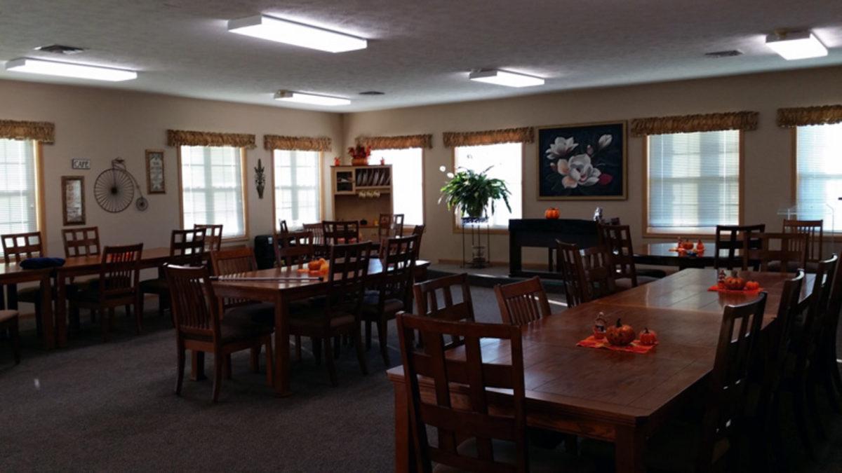 Tregaron Senior Residence Bellevue NE community room