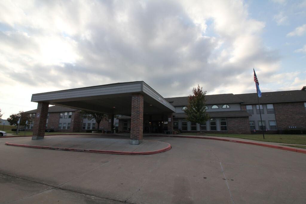 Countyr Oaks Tulsa Oklahoma entrance