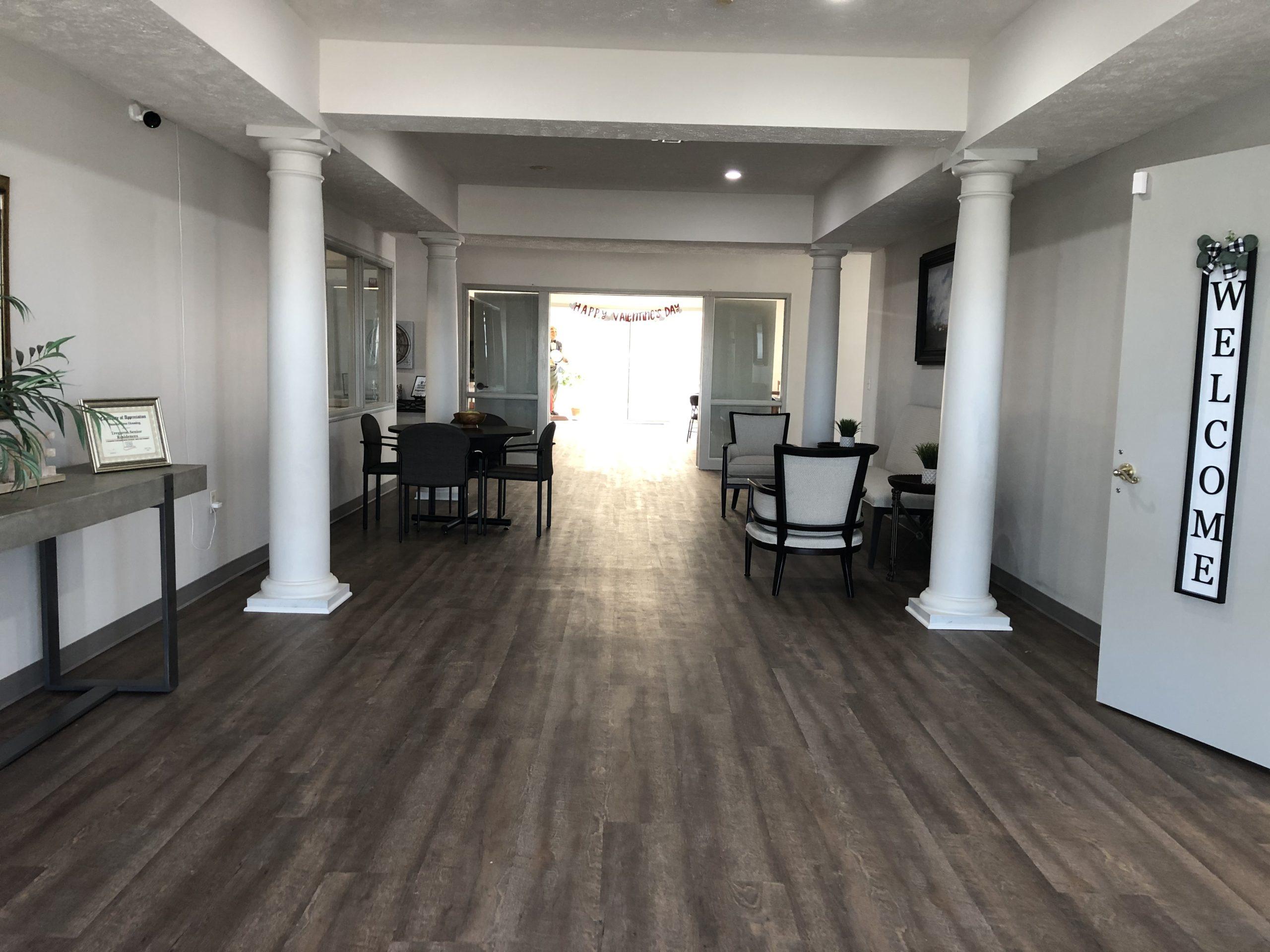 Tregaron Senior Residence Bellevue Nebraka lobby