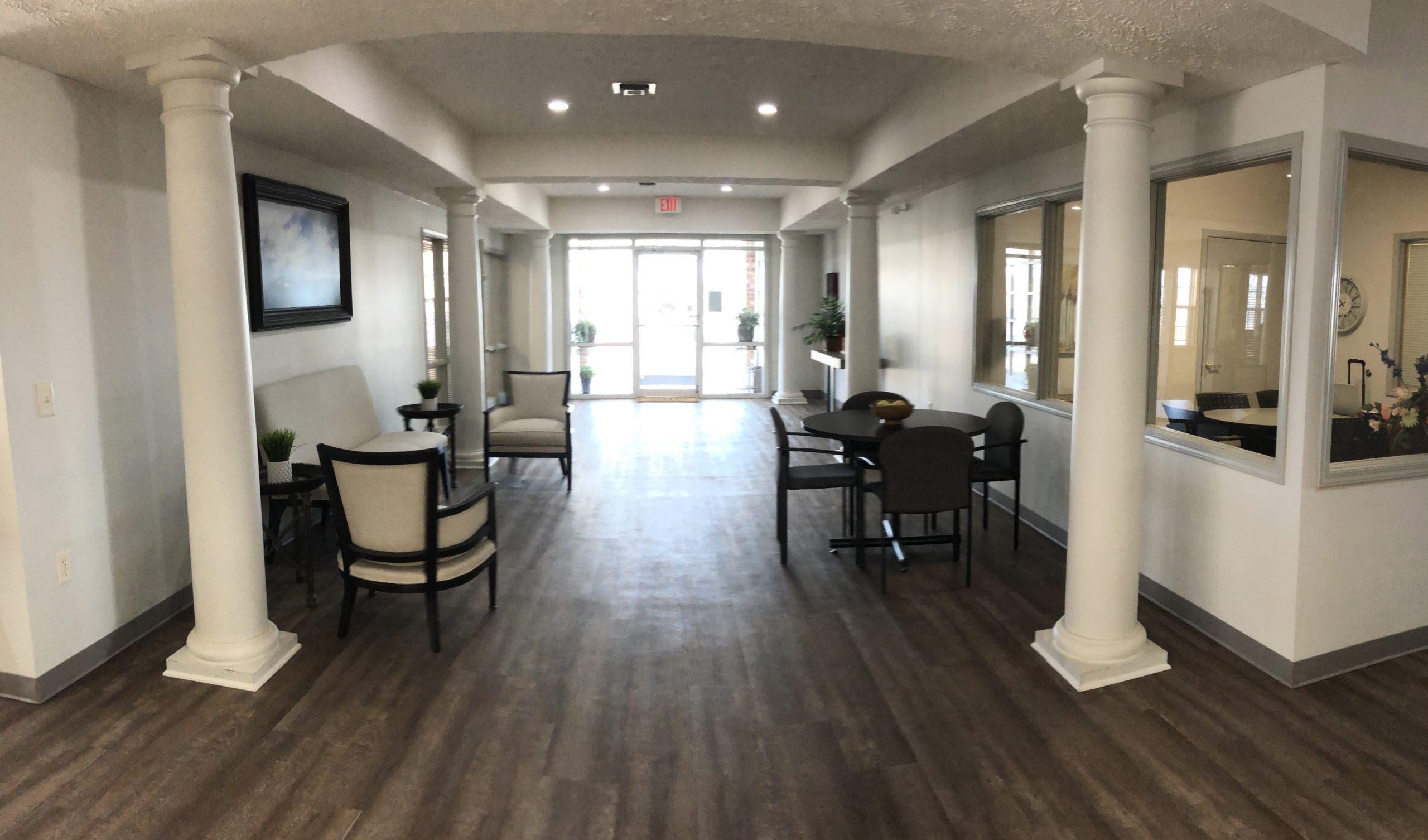 Tregaron Senior Residence Bellevue Nebraka lobby view 3