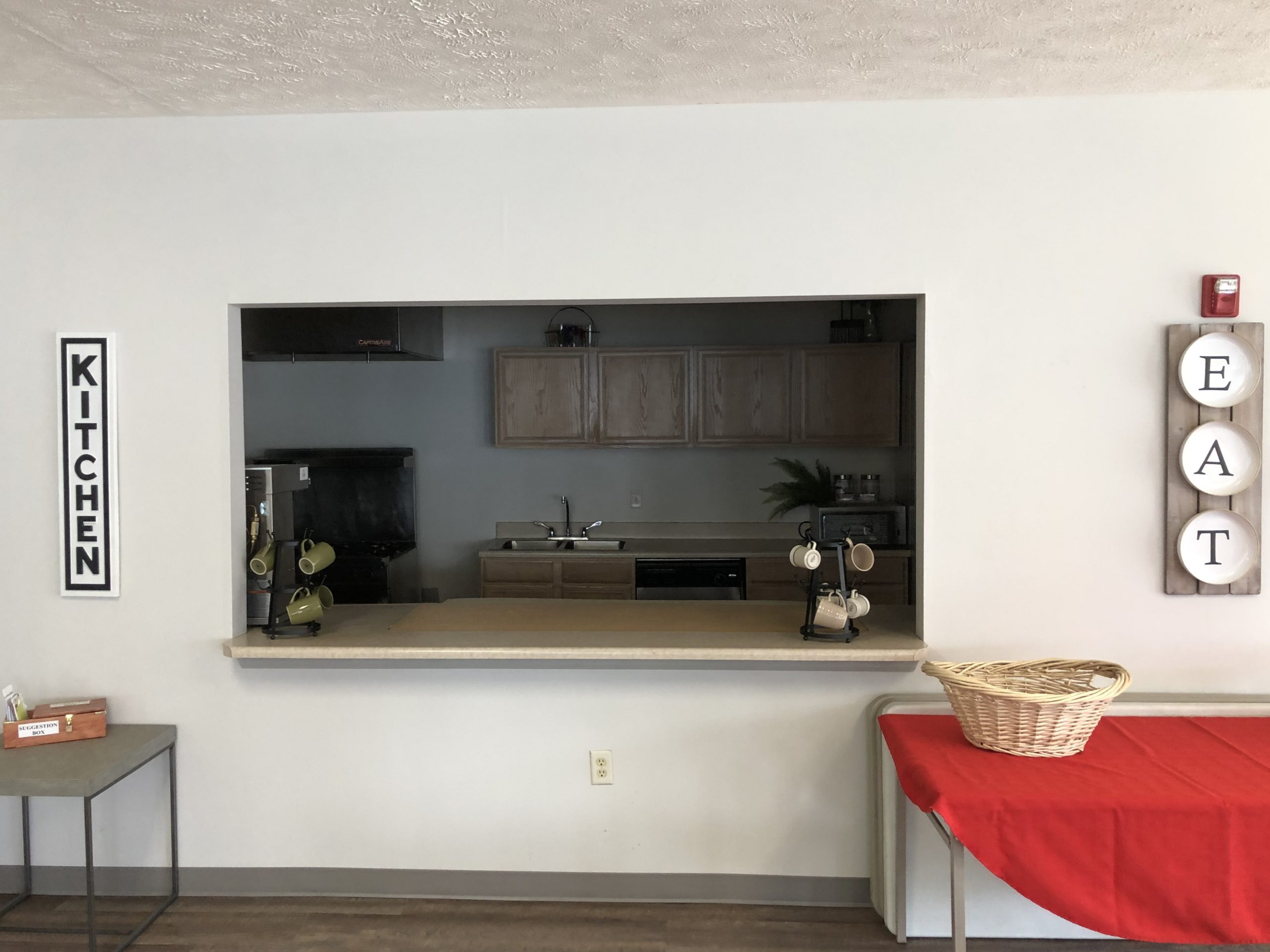 Tregaron Senior Residence Bellevue Nebraska community kitchen
