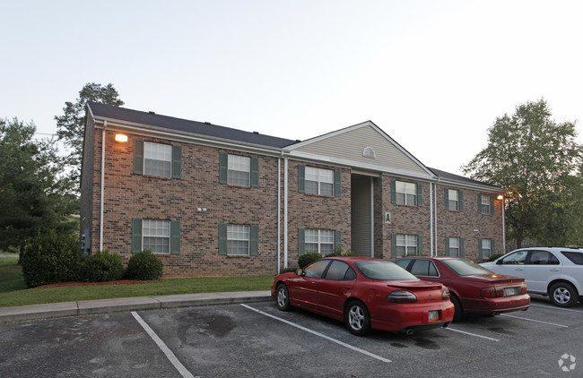 bull-run-creek-apartments-maynardville-tn-primary-photo