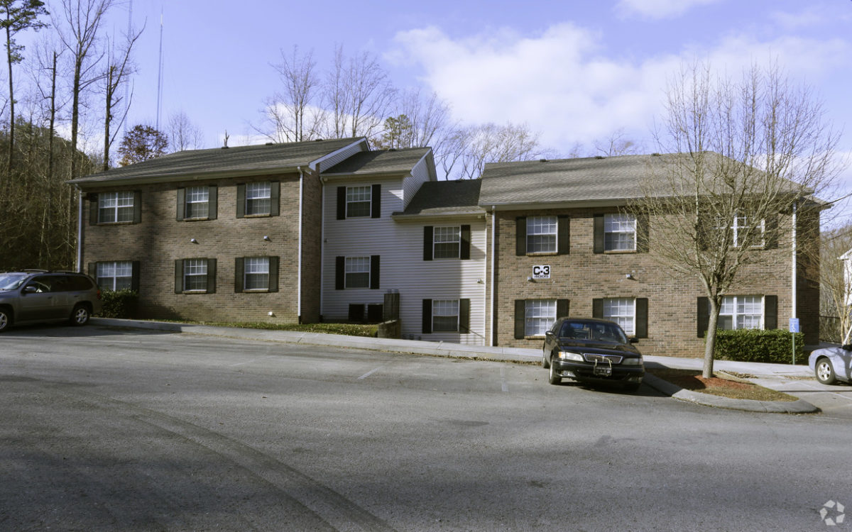 rocky-top-apartments-knoxville-tn-building-photo