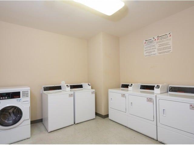 Carpenter's Pointe Dallas Texas laundry