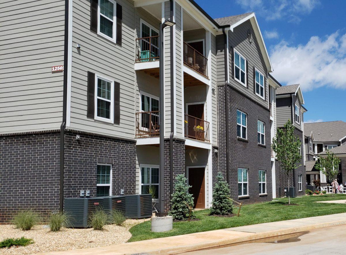 Villas at Lark Pointe exterior-001