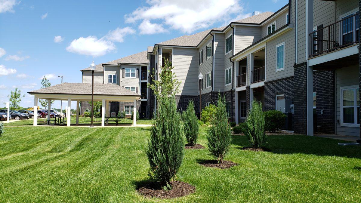 Villas at Lark Pointe exterior-003