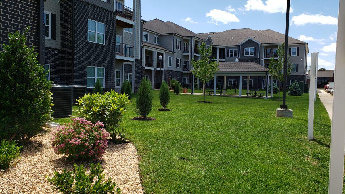 Villas at Lark Pointe exterior-004