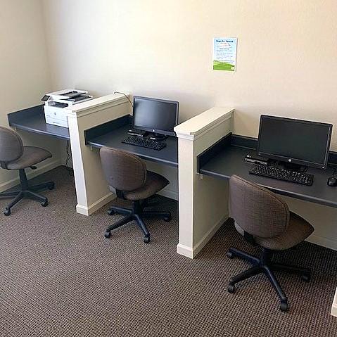 Cascade Villas Wichita Falls TX business center with computers