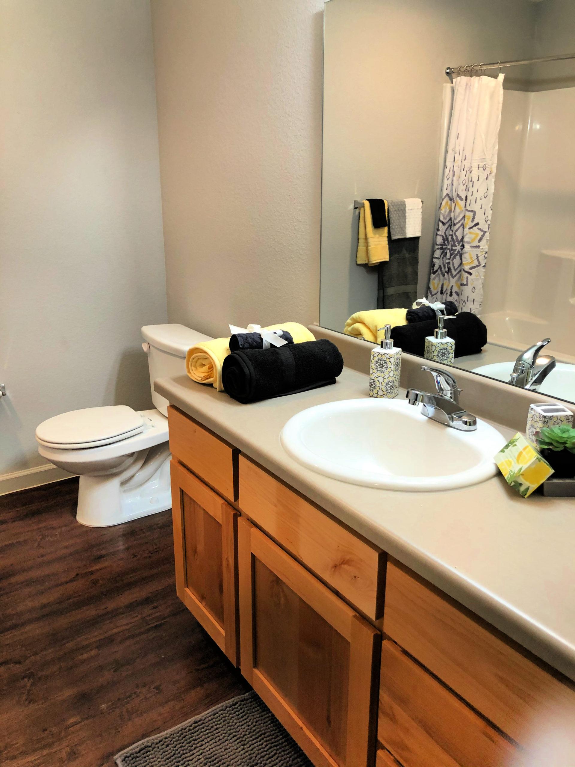 12 hall bath