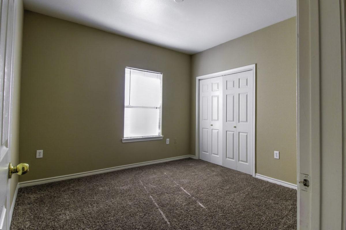Madison Point Dallas TX bedroom 2