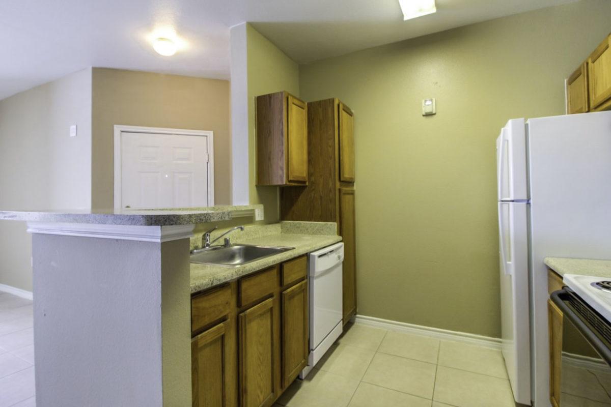 Madison Point Dallas TX kitchen 2