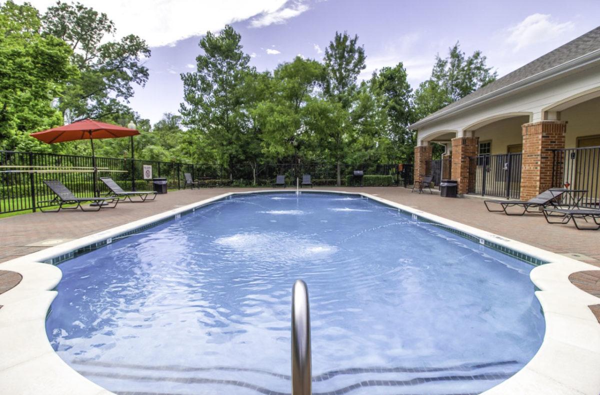 Madison Point Dallas TX swimming pool