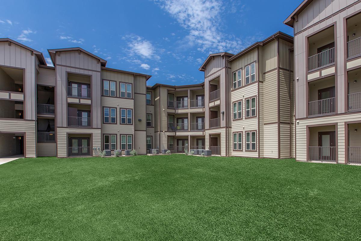Trails of Brady Brady Texas exterior 5 courtyard