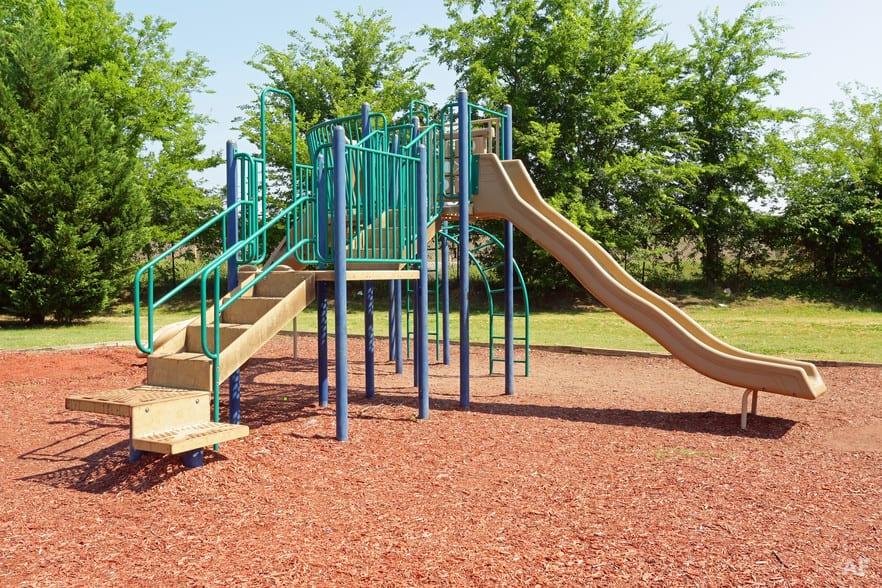 liberty-square-montgomery-al-building-photo1L3QJL3H playground
