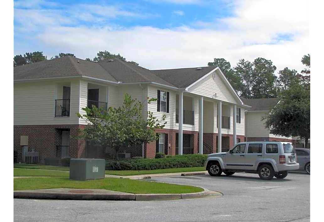 Springfield Crossing Apartments Columbus GA exterior buidling 2