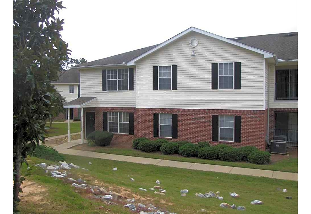 Springfield Crossing Apartments Columbus GA exterior building